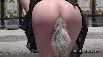 Стройненькая лаура блудит голая по парку