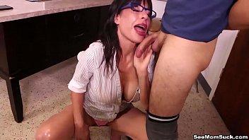 Rebecca rainbow занимается вагинально-анальным поревом с кавалером и мечется в агонии удовольствия